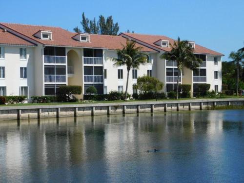 4492 NE Ocean Boulevard Photo 1