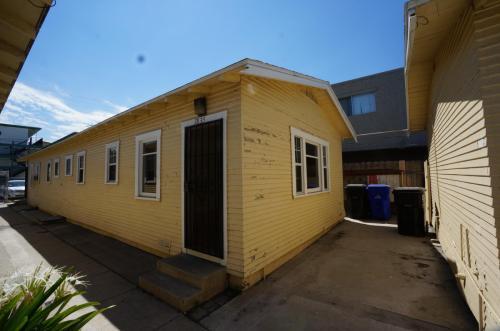 3835 Van Dyke Avenue Photo 1