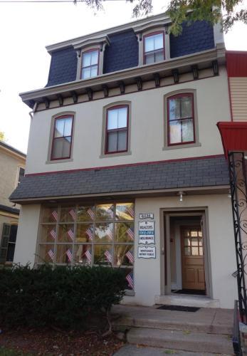 6234 Ridge Avenue Photo 1