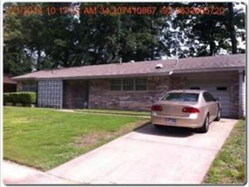 5309 Leawood Drive Photo 1