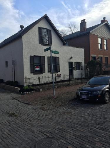 154 E Beck Street Photo 1