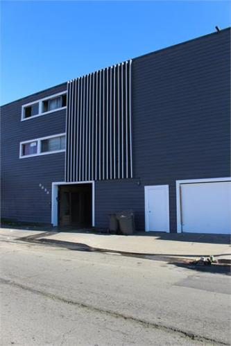8656 Macarthur Boulevard Photo 1