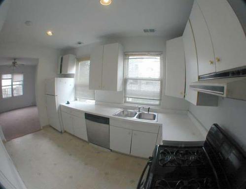 1115 W Newport Avenue Photo 1