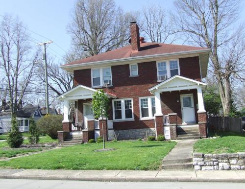 194 Castlewood Drive Photo 1