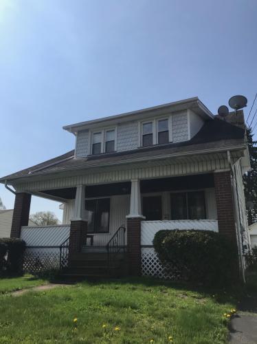 1645 Wakefield Avenue Photo 1