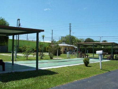 8667 Seminole Boulevard Photo 1