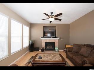 Gas Fireplace In Family Room Wood Flooring 1721 E Lone Oak Drive