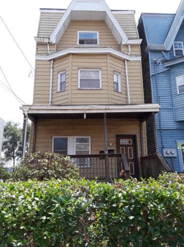 242 Ophelia Street Photo 1