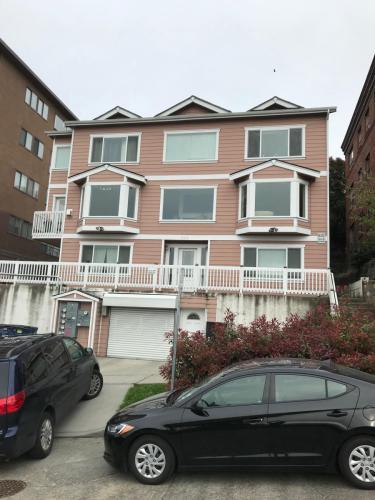 608 Melrose Avenue E Photo 1