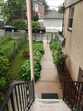 175 Woodlawn Avenue #1 Photo 1