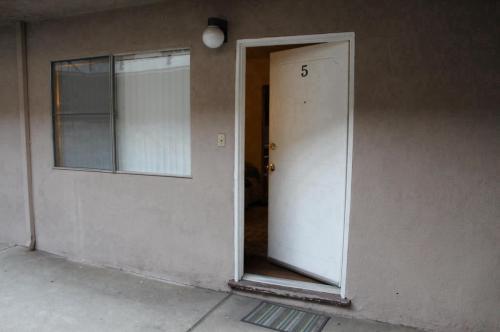 11893 Truro Avenue Photo 1