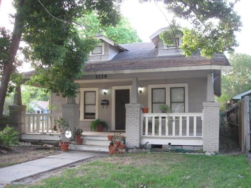 1139 W Cottage Street Photo 1