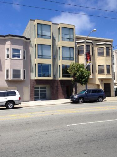 3412 California Street Photo 1