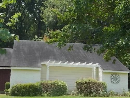 3730 Woodhill Road Photo 1