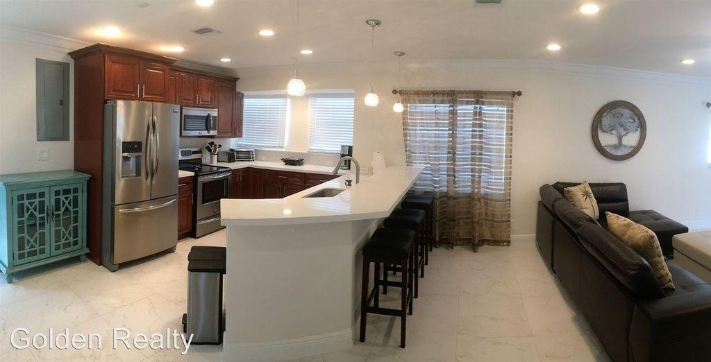 1110 SE 9th Avenue Pompano Beach FL 33060