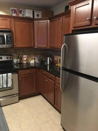 2660 North Avenue #LOOKING FOR ROOMMATE Photo 1