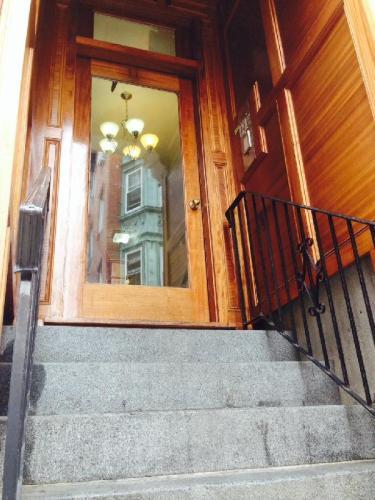 659 Massachuesetts Avenue Photo 1