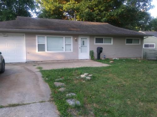7001 E 113th Terrace Photo 1