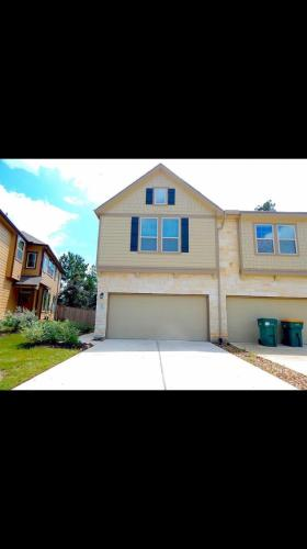 142 Cheswood Forest Drive Photo 1