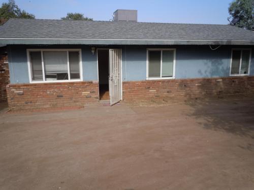 4449 Fairbanks Avenue Photo 1