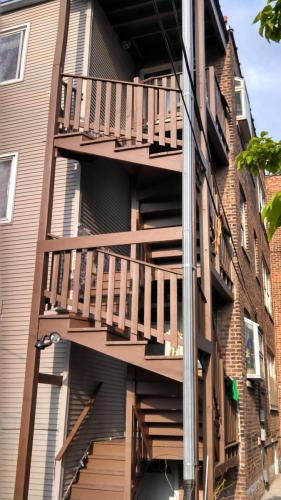 3053 N Sawyer Avenue #B Photo 1