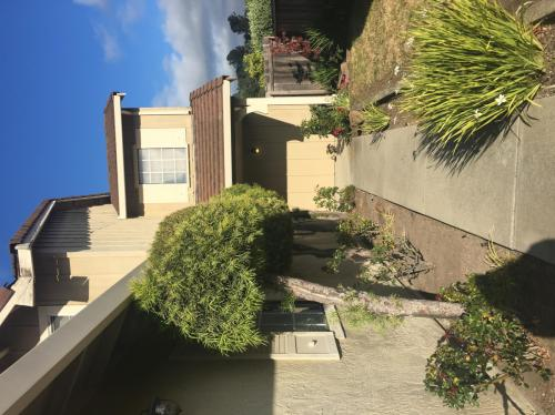 6555 Ridgewood Drive Photo 1