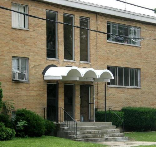 604 W Grand Avenue Photo 1