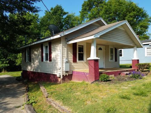 208 E Church Street Photo 1