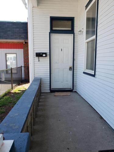 403 W Southern Avenue #1 Photo 1