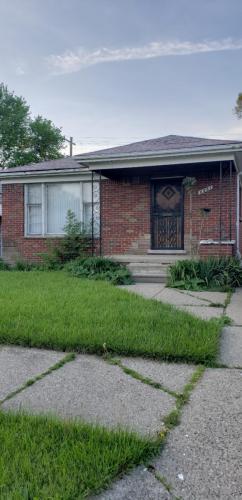 6861 Iowa Street Photo 1