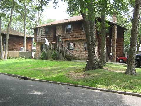 Laurelton Avenue Photo 1