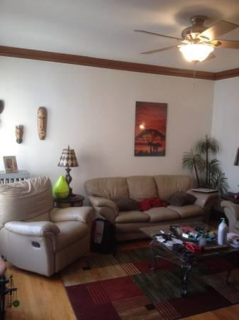 3624 N Greenview Avenue Photo 1