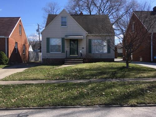3411 Brookdale Avenue Photo 1