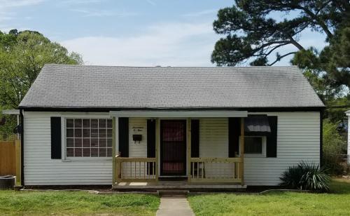 1704 Pinewood Drive Photo 1