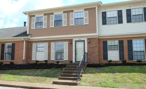 1134 Brentwood Point Photo 1