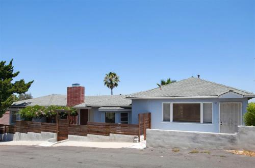 8910 Alpine Avenue Photo 1
