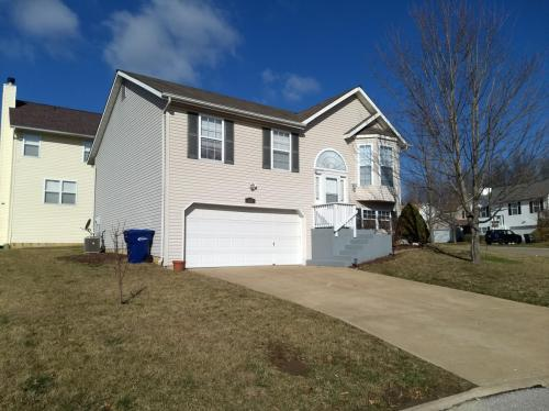 123 Woodlake Court Photo 1