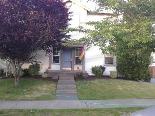 1622 Brown Avenue Photo 1