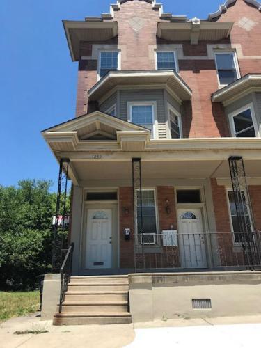 1239 W Allegheny Avenue #1 Photo 1