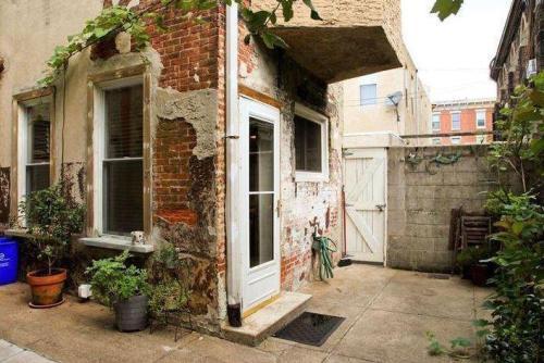 1301 S Fairhill Street Photo 1