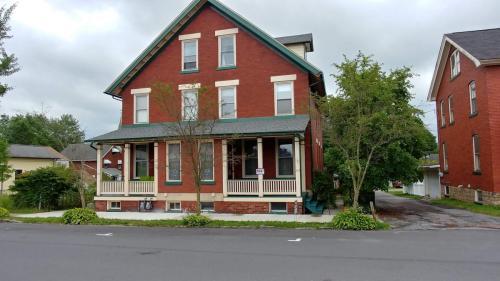 314 Spruce Street Photo 1