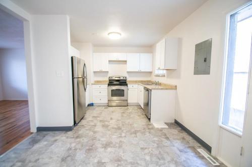 6811 W 24th Avenue Photo 1