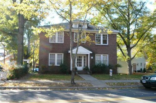 822 E Tremont Avenue #4 Photo 1