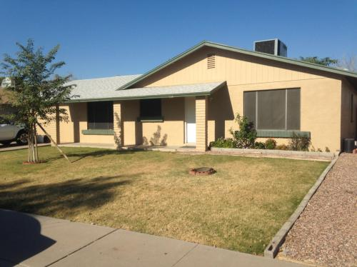 7114 W Cochise Drive Photo 1