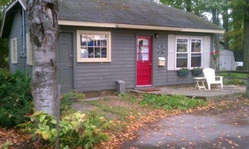843 1/2 N S Long Lake Road Photo 1