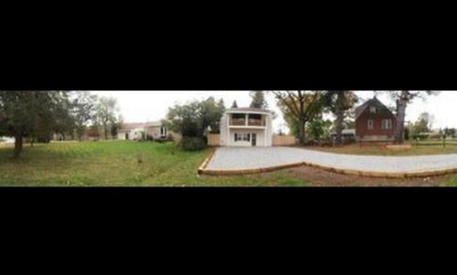 1095 Noblestown Road Photo 1