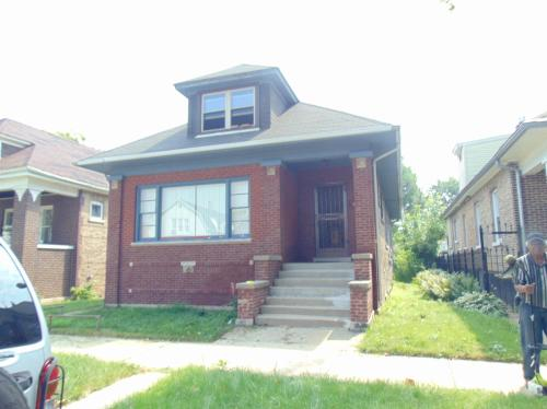 7637 S Eberhart Avenue Photo 1