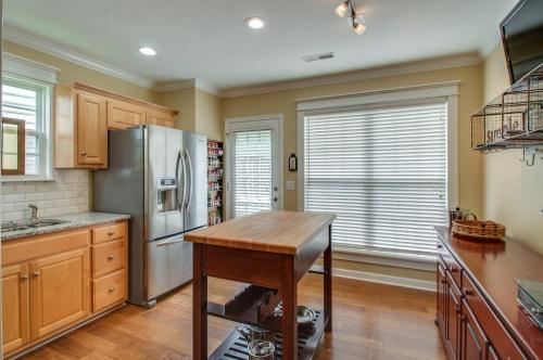 1647 Brentwood Pointe Photo 1