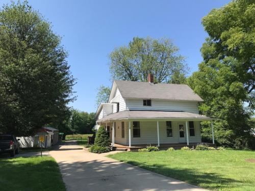 31726 Center Ridge Road Photo 1