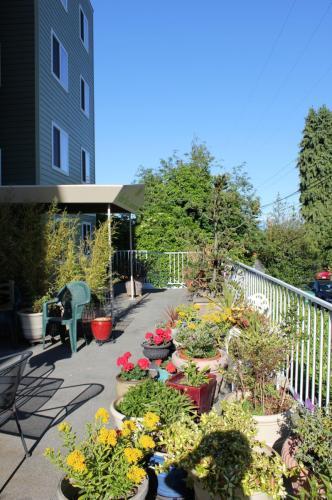 800 N Allen Place #405 Photo 1